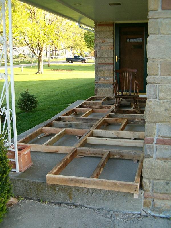 DIY Wood Pallet Porch 1